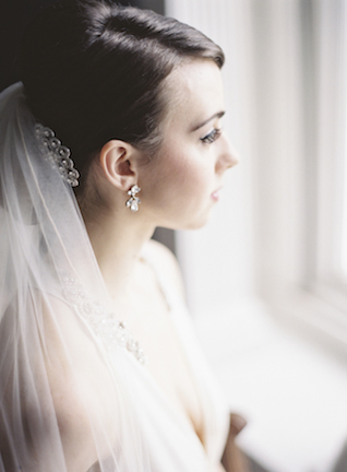 Classic bridal veil | Sarah Hannam | see more on: http://burnettsboards.com/2015/07/classic-wedding-silver-gold/