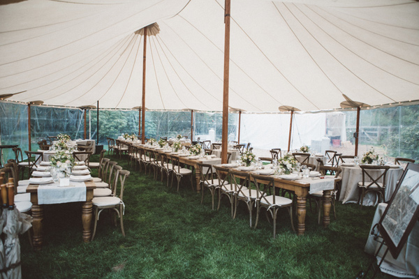 tented reception - photo by A Fist Full of Bolts http://ruffledblog.com/vintage-glam-wedding-at-bella-luna-farms