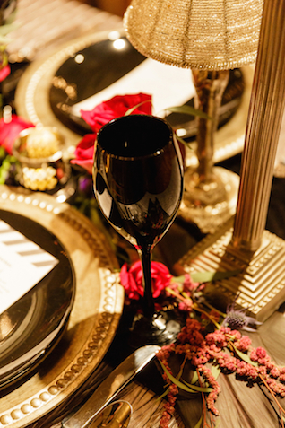 Black glassware | Sarah Rachel Photography | see more on: http://burnettsboards.com/2015/07/industrial-glam-wedding-black-gold-red/