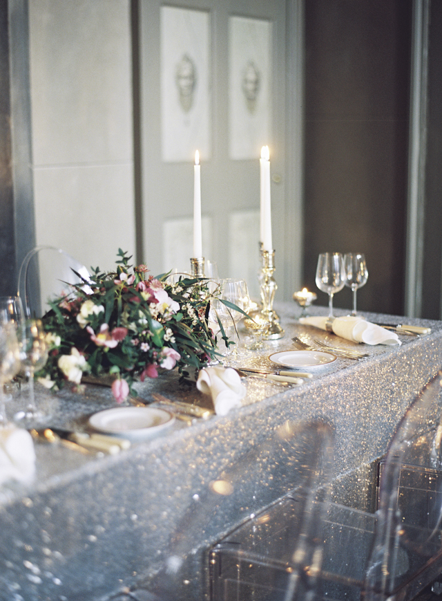 Silver and gold wedding | Sarah Hannam | see more on: http://burnettsboards.com/2015/07/classic-wedding-silver-gold/
