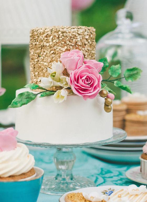 Wedding Trnds: Sequin Wedding Cake