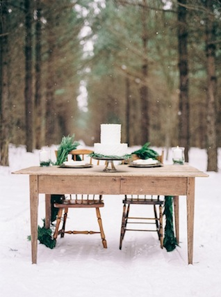 Winter wedding in the snow ⎪Nikkie Santerre Photography ⎪see more on: http://burnettsboards.com/2015/07/pastel-pine/