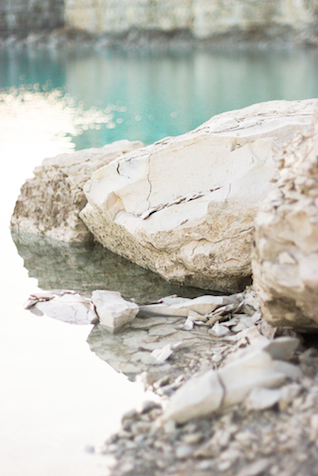 Rock quarry | Callie Manion Photography | see more on: http://burnettsboards.com/2015/07/retro-glam-bridals/