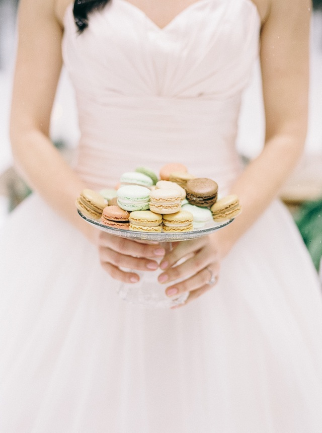 Pastel macarons ⎪ Nikki Santerre Photography⎪see more on: http://burnettsboards.com/2015/07/pastel-pine/