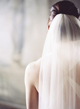 Bridal veil | Sarah Hannam | see more on: http://burnettsboards.com/2015/07/classic-wedding-silver-gold/