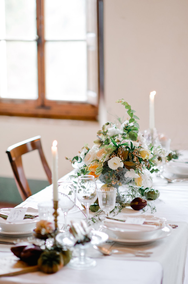 Tuscan reception table - photo by Nadia Meli http://ruffledblog.com/a-romantic-tuscany-elopement-workshop
