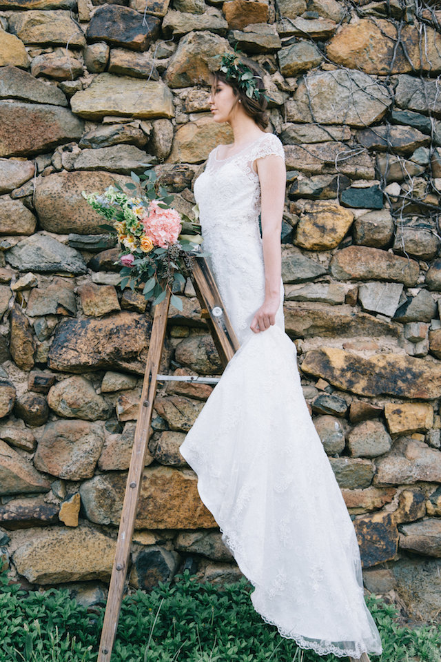 Ladder bridal portraits | Nicole Colwell Photography | see more on: http://burnettsboards.com/2015/07/ivy-bridal-session-planned-2-days/