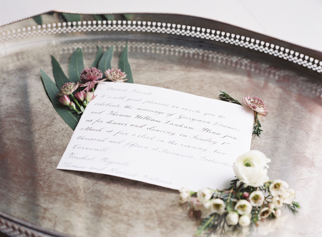 Calligraphy wedding invite | Sarah Hannam | see more on: http://burnettsboards.com/2015/07/classic-wedding-silver-gold/
