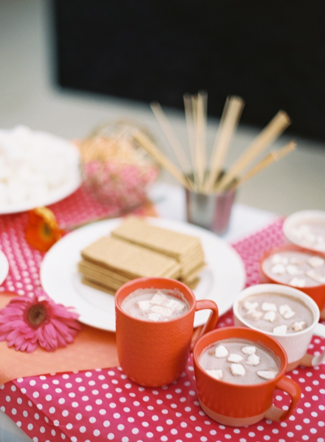 Hot chocolate with marshmallows ⎪ Allen Tsai Photography ⎪ see more on: http://burnettsboards.com/2015/07/kate-spade-inspired-bridesmaids-luncheon/