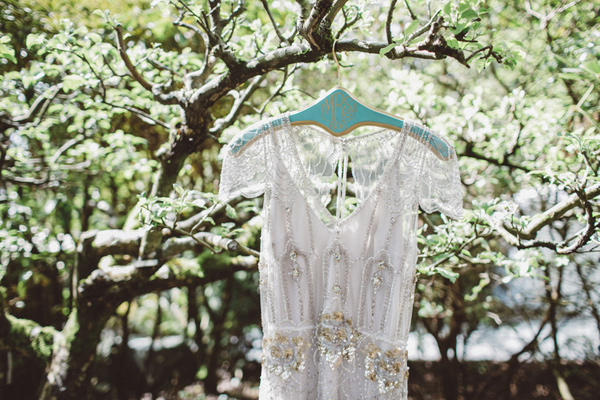 Jenny Packham wedding dress - photo by A Fist Full of Bolts http://ruffledblog.com/vintage-glam-wedding-at-bella-luna-farms