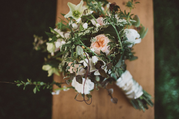 wedding bouquet - photo by A Fist Full of Bolts http://ruffledblog.com/vintage-glam-wedding-at-bella-luna-farms