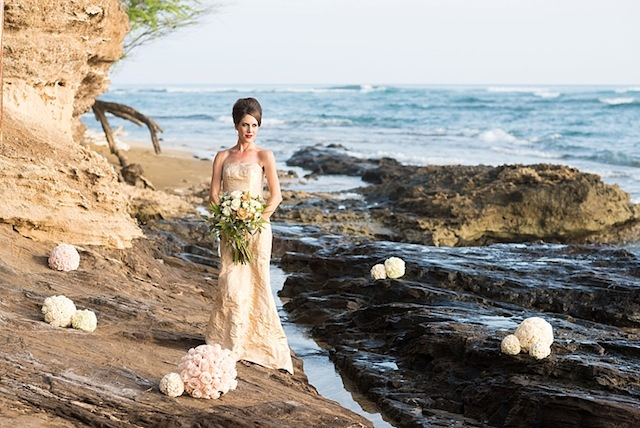 Hawaii lava rock bridal session ⎪Mikkel Paige Photography ⎪ see more on: http://burnettsboards.com/2015/07/lava-rock-bridals-hawaii/