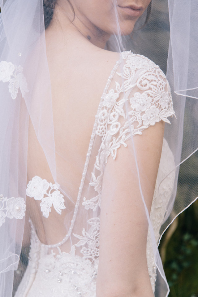 Lace detail wedding veil | Nicole Colwell Photography | see more on: http://burnettsboards.com/2015/07/ivy-bridal-session-planned-2-days/