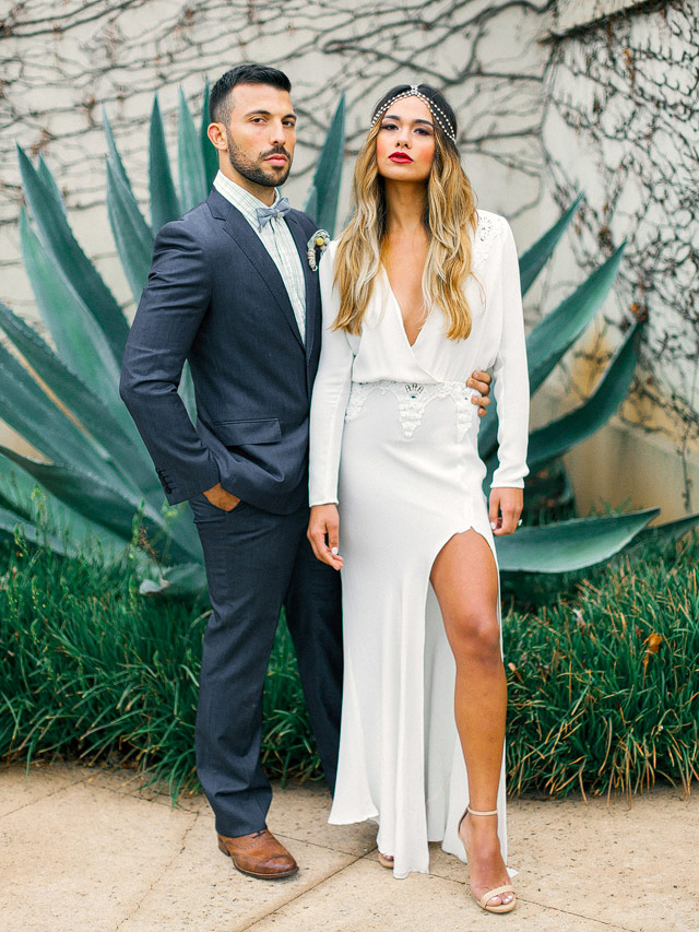 Chic boho elopement | YourDreamPhoto | see more on: http://burnettsboards.com/2015/07/proposal-engagement-elopement/