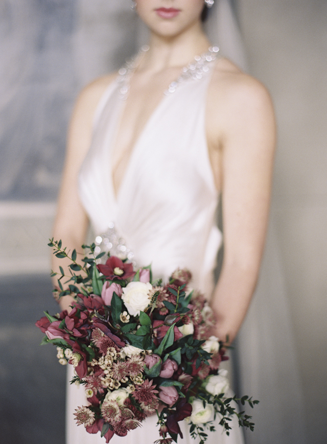 Marsala bridal bouquet | Sarah Hannam | see more on: http://burnettsboards.com/2015/07/classic-wedding-silver-gold/