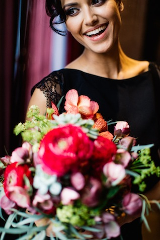 Marsala red bridal bouquet ⎪ Tony Gigov Photography ⎪ see more on: http://burnettsboards.com/2015/07/sultry-marsala-black-wedding/