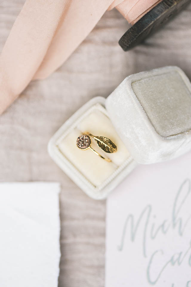 Druzy ring ⎪Elizabeth Fogarty Photography ⎪see more on: http://burnettsboards.com/2015/08/ethereal-virginia-wedding/