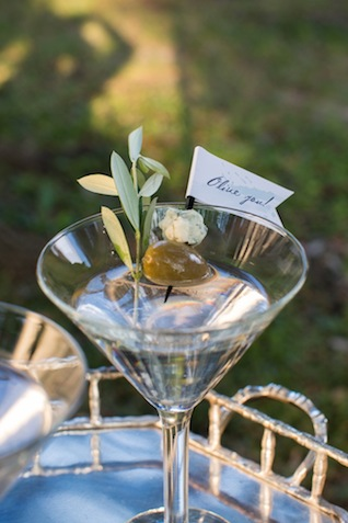 Olive You! ⎪Laurie Perez Photography ⎪ see more on: http://burnettsboards.com/2015/08/mint-garden-wedding/