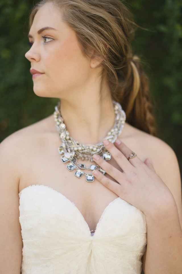Glamorous wedding necklace ⎪Laura Fulmer ⎪see more on: http://burnettsboards.com/2015/08/naturally-beautiful-wedding-dresses/