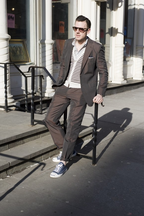 Mens Outfits with Sneakers (9)