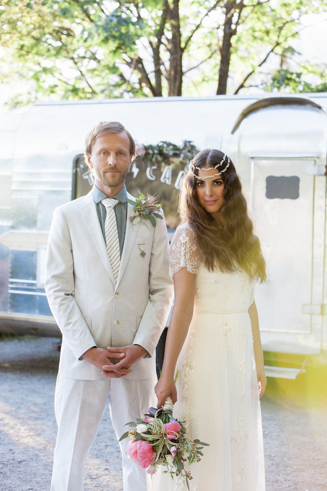 Bohemian elopement inspiration shoot | Monashee Photography | see more on: http://burnettsboards.com/2015/08/bohemian-elopement/