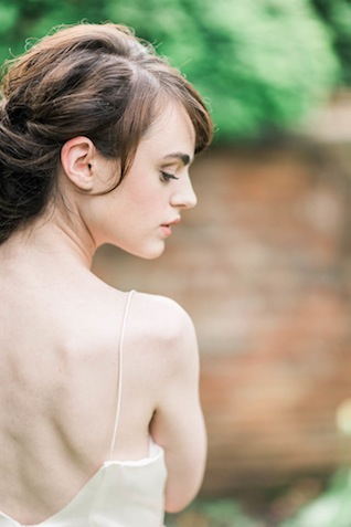 Bridal boudoir outside ⎪Elizabeth Fogarty Photography ⎪see more on: http://burnettsboards.com/2015/08/ethereal-virginia-wedding/