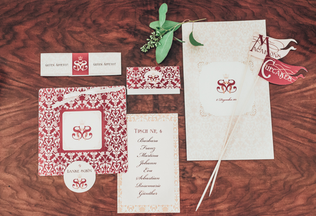 Marsala red wedding invitations ⎪Die Ciuciu's ⎪ see more on: http://burnettsboards.com/2015/08/ovids-metamorphoses/