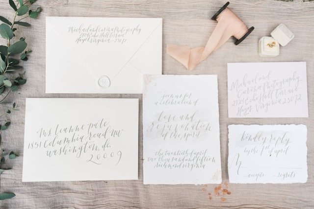 Calligraphy wedding invitation suite ⎪Elizabeth Fogarty Photography ⎪see more on: http://burnettsboards.com/2015/08/ethereal-virginia-wedding/
