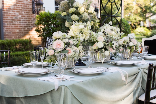 Mint wedding inspiration ⎪Laurie Perez Photography ⎪ see more on: http://burnettsboards.com/2015/08/mint-garden-wedding/