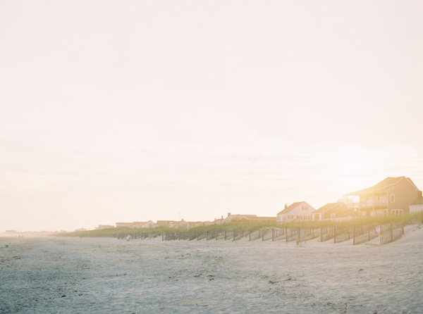 romantic North Carolina beach wedding - photo by Sawyer Baird http://ruffledblog.com/romantic-north-carolina-beach-wedding