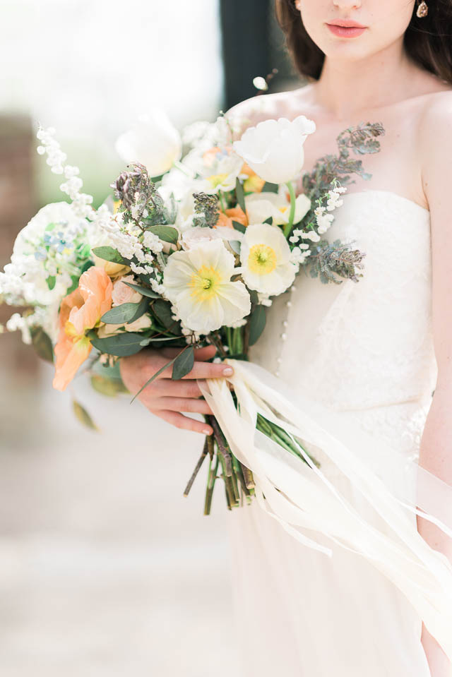 Poppy and peach bridal bouquet ⎪Elizabeth Fogarty Photography ⎪see more on: http://burnettsboards.com/2015/08/ethereal-virginia-wedding/