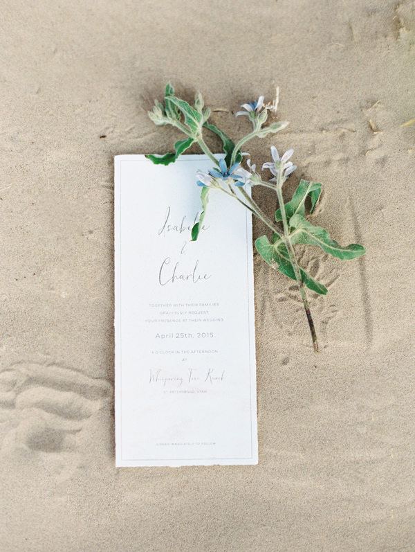 minimalist wedding invitations - photo by D'Arcy Benincosa Photography http://ruffledblog.com/minimalist-sand-dunes-wedding-inspiration