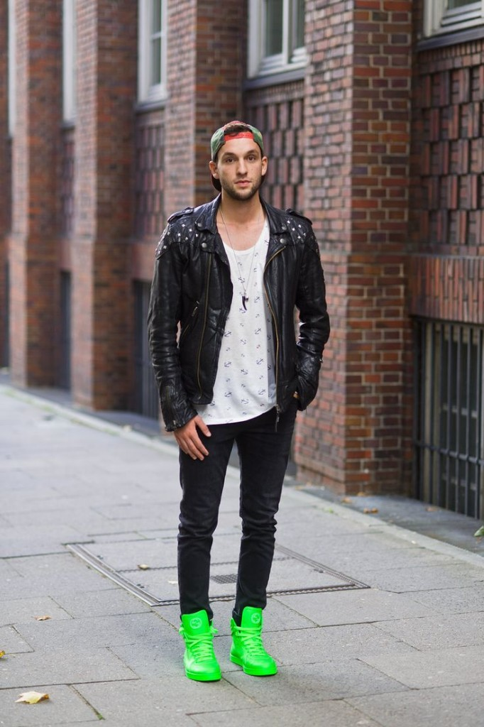 Mens Outfits with Sneakers (8)
