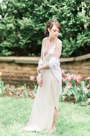 Outdoor bridal boudoir ⎪Elizabeth Fogarty Photography ⎪see more on: http://burnettsboards.com/2015/08/ethereal-virginia-wedding/