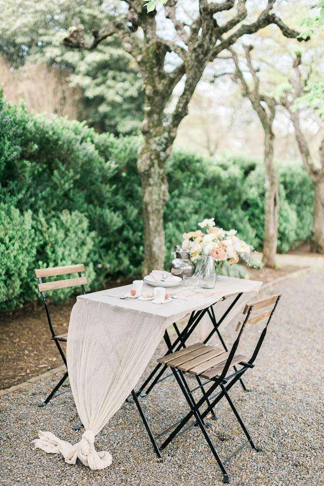 Fine art wedding reception ⎪Elizabeth Fogarty Photography ⎪see more on: http://burnettsboards.com/2015/08/ethereal-virginia-wedding/