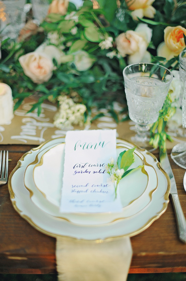 elegant place setting - photo by ArinaB Photography http://ruffledblog.com/soft-and-modern-wedding-inspiration