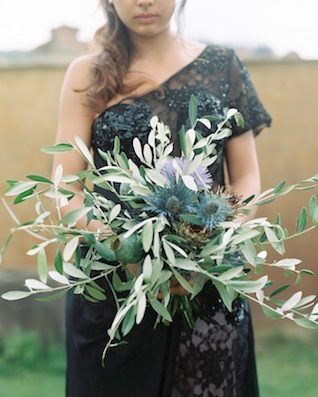 Thistle and olive bouquet ⎪Igloo Photo ⎪ see more on: http://burnettsboards.com/2015/08/tuscan-wedding-touch-whimsy/