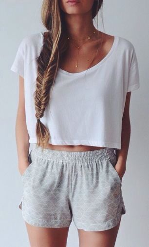 Lazy summer outfit with the white crop top