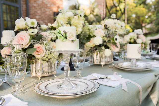 Mint tablescape ⎪Laurie Perez Photography ⎪ see more on: http://burnettsboards.com/2015/08/mint-garden-wedding/