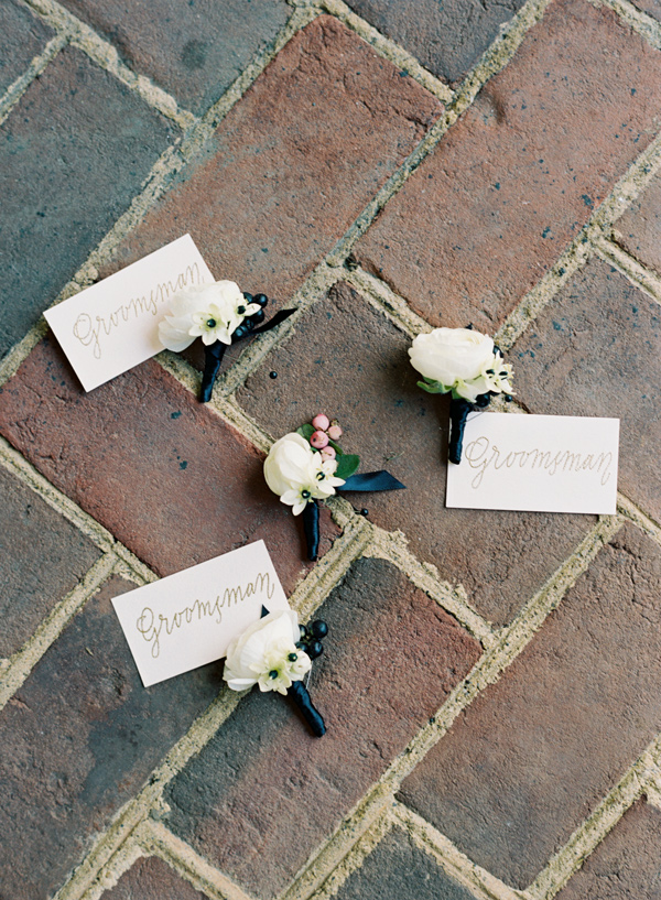 grooms boutonnieres - photo by Elisa Bricker http://ruffledblog.com/southern-keswick-vineyards-wedding