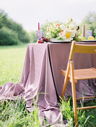 Lilac wedding inspiration | Olga Siyanko | see more on: http://burnettsboards.com/2015/09/lilac-lemon/