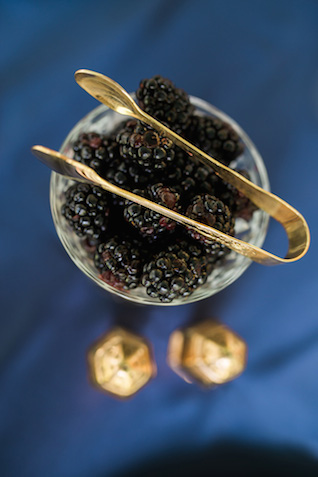 Blueberries | Sarah Hooker Photography | see more on: http://burnettsboards.com/2015/09/art-deco-wedding-asheville/