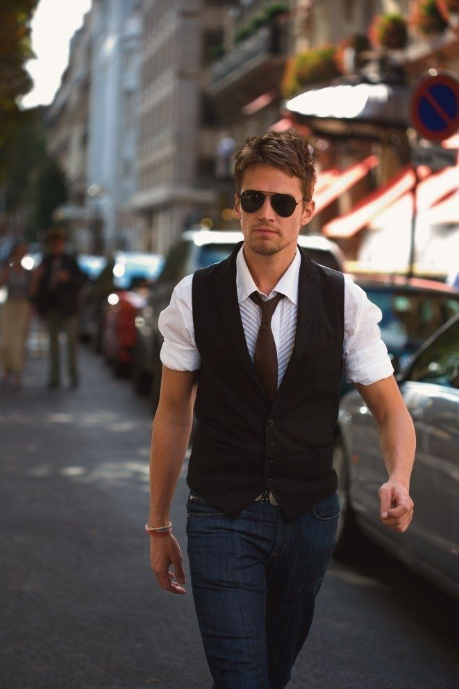 White Shirt Outfits for Men (13)