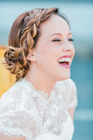 Chic bridal updo | Sweetness and Light Photography | see more on: http://burnettsboards.com/2015/09/host-networking-party/