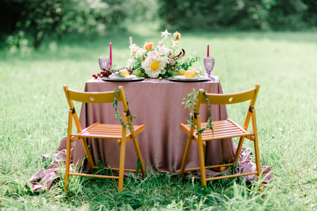 Lilac wedding ideas | Olga Siyanko | see more on: http://burnettsboards.com/2015/09/lilac-lemon/