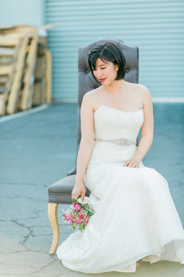 Bridal portrait | Sweetness and Light Photography | see more on: http://burnettsboards.com/2015/09/host-networking-party/