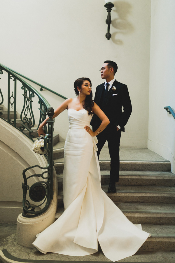 modern Los Angeles wedding at SmogShoppe - photo by Chaz Cruz http://ruffledblog.com/boho-glam-wedding-in-colorado