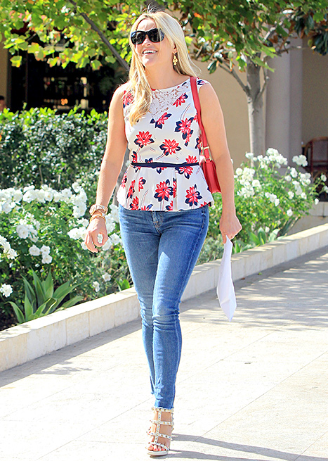 Reese Witherspoon is seen in Beverly Hills on September 1, 2015 in Los Angeles, California.