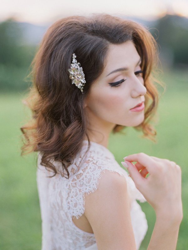 bridal hair accessories - photo by Wedding Nature Photography http://ruffledblog.com/elegant-vineyard-wedding-inspiration
