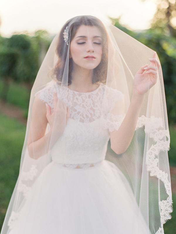 bridal veil - photo by Wedding Nature Photography http://ruffledblog.com/elegant-vineyard-wedding-inspiration